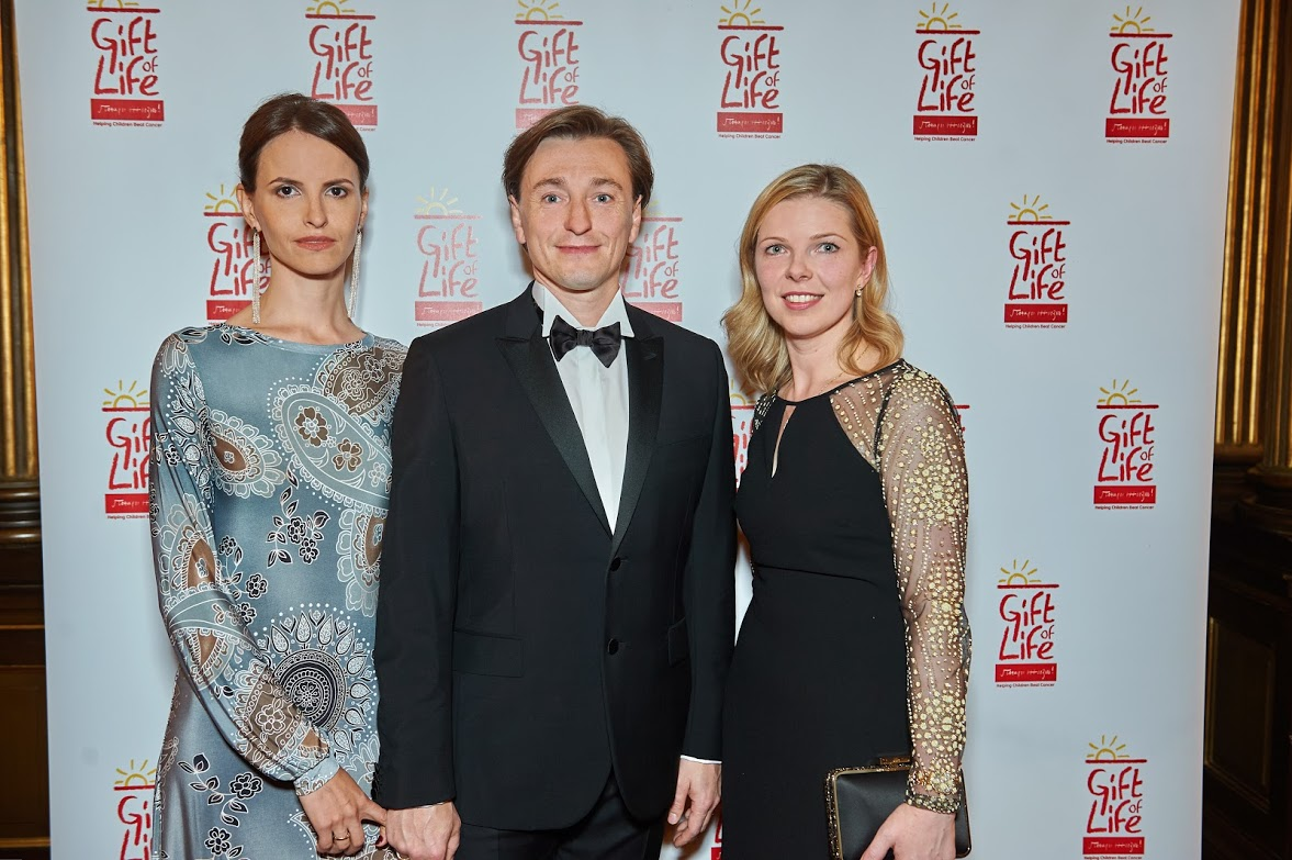 Svetlana Cameron with Sergey Bezrukov and Anna Matison